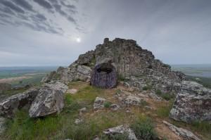 diskreter Naturfotografenarbeitsplatz aus Sicht der Blaumerle